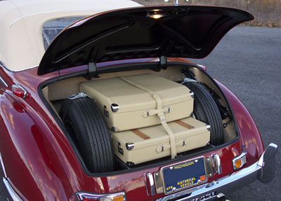 Oldtimer restoration center mercedes benz 300s and 300sc for Mercedes benz suitcase